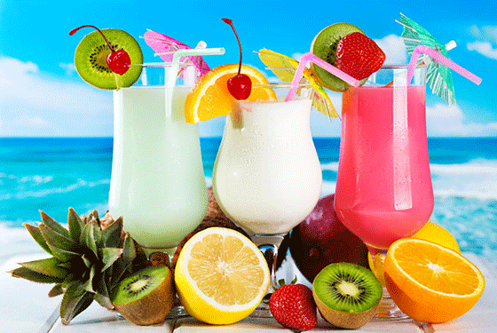 Tropical-Cocktails-1-560x375