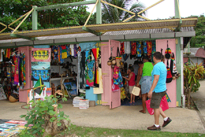 craft-market-in-Negril-450x300
